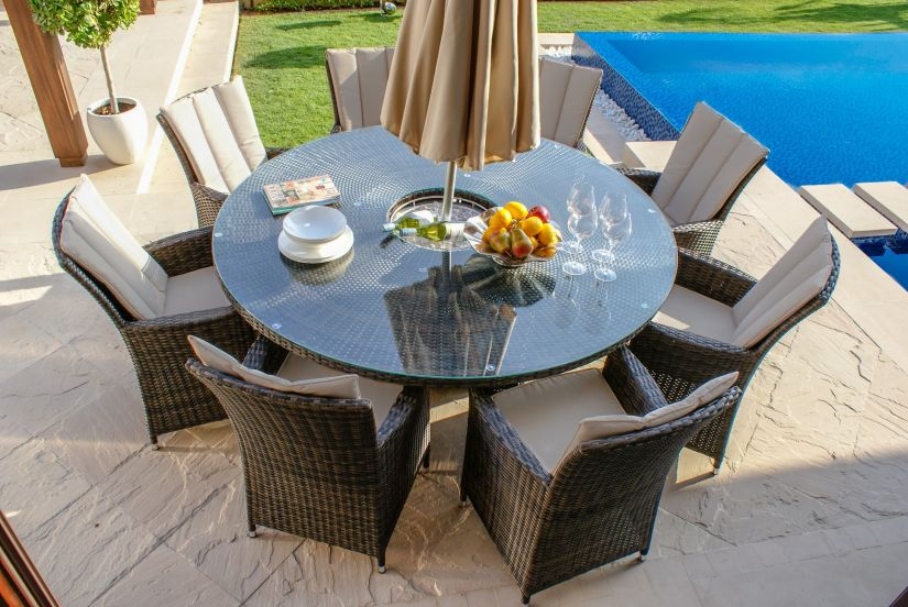 Maze Rattan LA 8 Seat Round Dining Set With Ice Bucket and lazy Susan